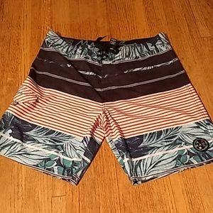 Maui & Sons swim trunks Size 36